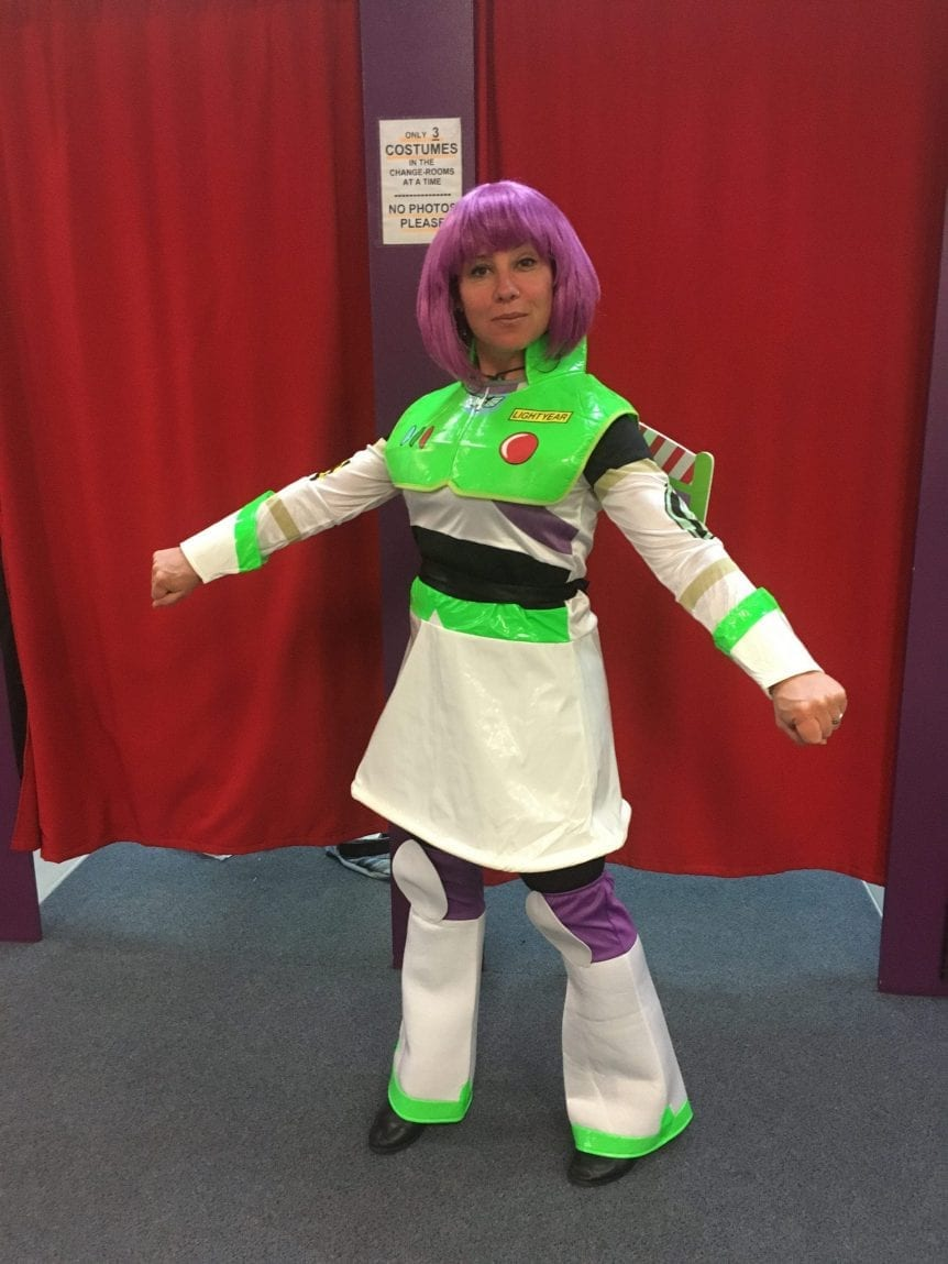 BUZZ LIGHTYEAR LADY
